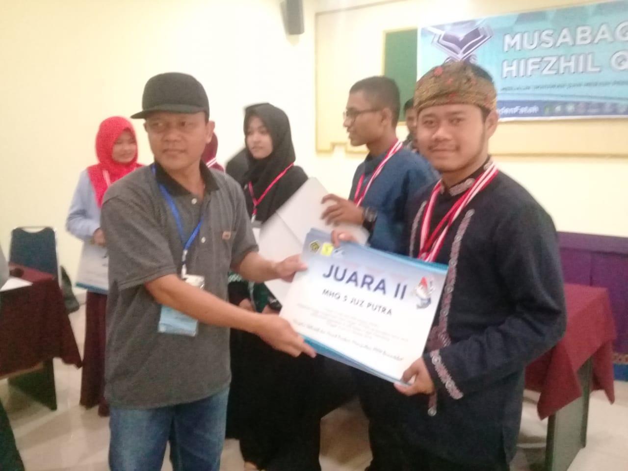 Juara II Musabaqoh Hafzil Qur`an 5 Juz Putra se- Sumatra