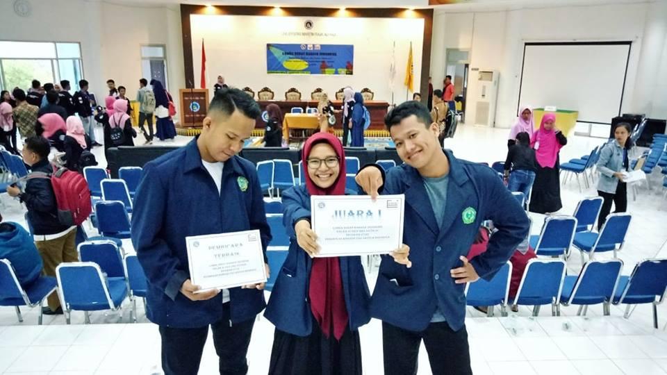 Juara 1 Lomba Debat Bahasa Indonesia